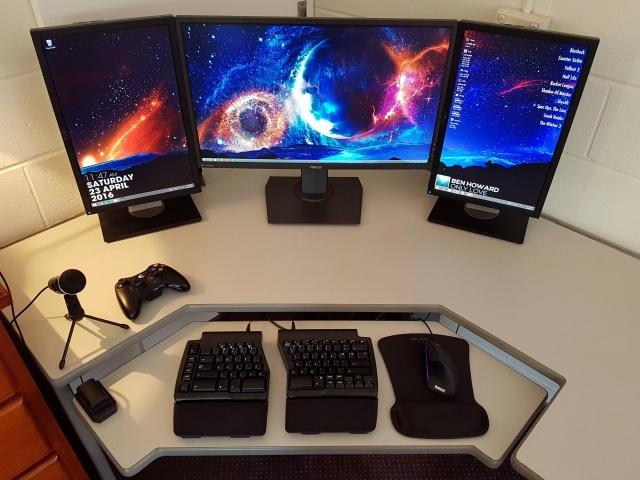 PC_Desk_MultiDisplay68_01.jpg
