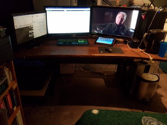 PC_Desk_MultiDisplay68_04.jpg