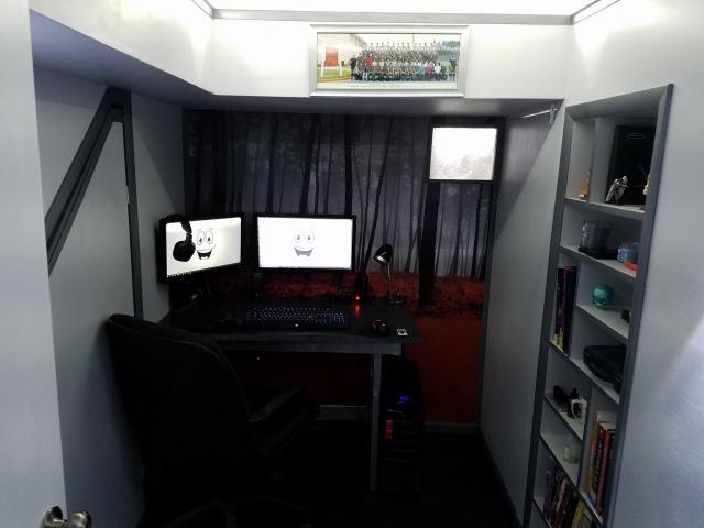 PC_Desk_MultiDisplay68_06.jpg
