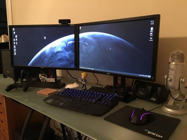 PC_Desk_MultiDisplay68_11.jpg