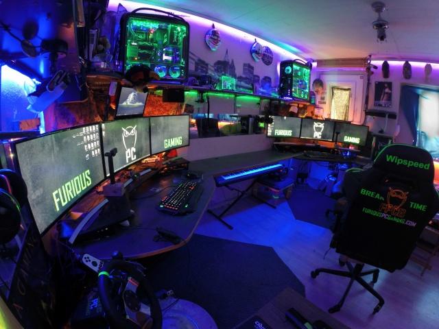 PC_Desk_MultiDisplay68_12.jpg