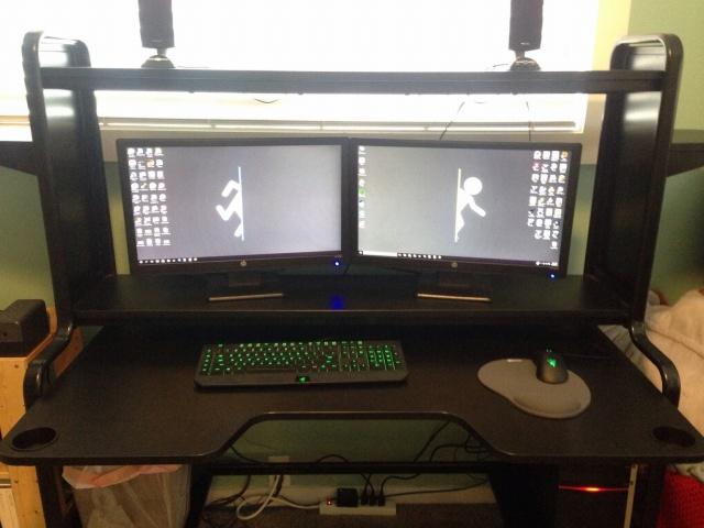 PC_Desk_MultiDisplay68_19.jpg