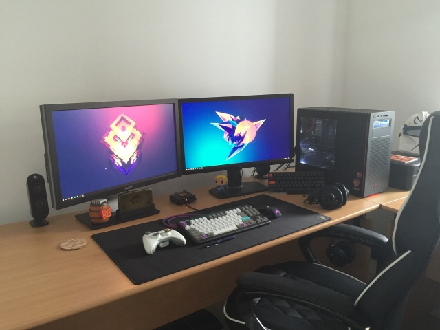 PC_Desk_MultiDisplay68_22.jpg
