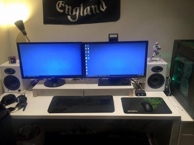PC_Desk_MultiDisplay68_24.jpg
