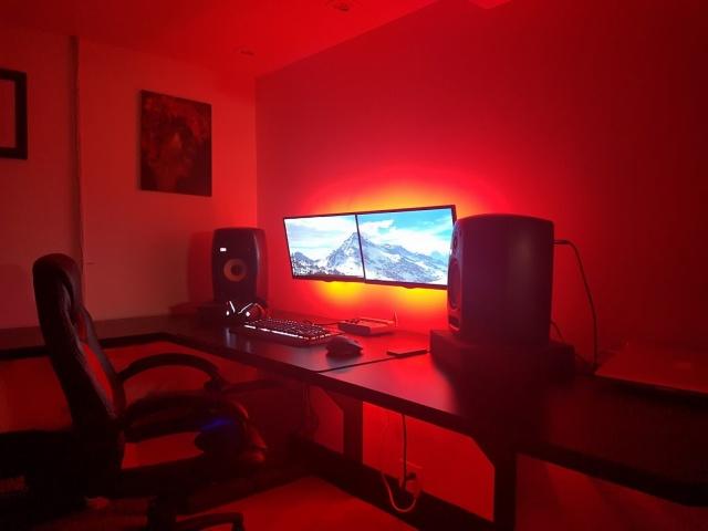 PC_Desk_MultiDisplay68_27.jpg