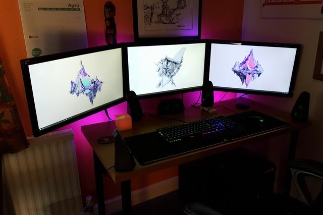 PC_Desk_MultiDisplay68_35.jpg