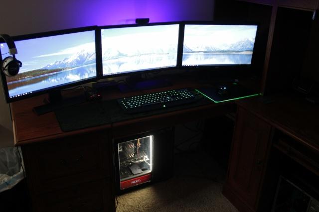 PC_Desk_MultiDisplay68_47.jpg