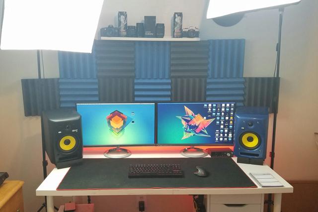PC_Desk_MultiDisplay68_50.jpg