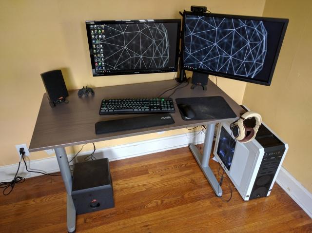 PC_Desk_MultiDisplay68_53.jpg