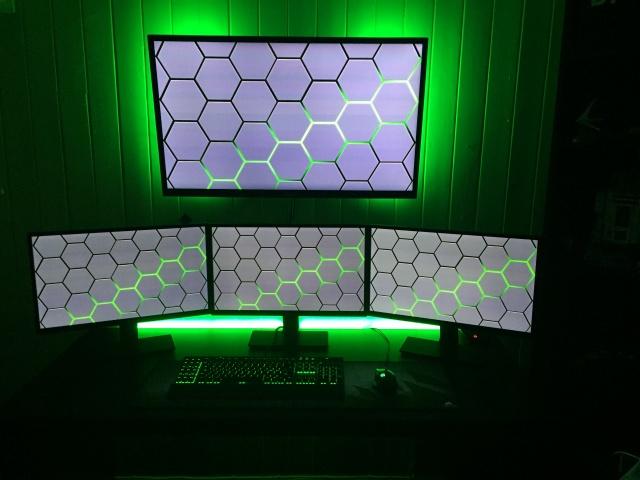 PC_Desk_MultiDisplay68_54.jpg