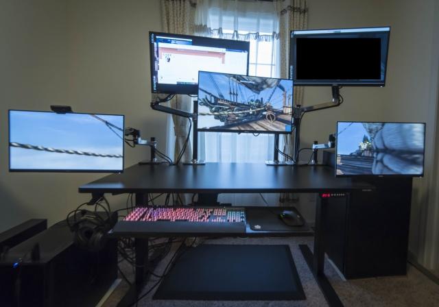 PC_Desk_MultiDisplay68_63.jpg