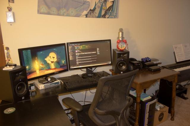 PC_Desk_MultiDisplay68_65.jpg