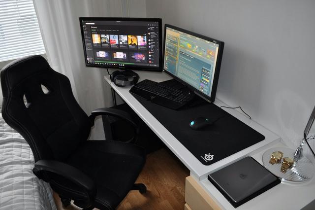 PC_Desk_MultiDisplay68_68.jpg