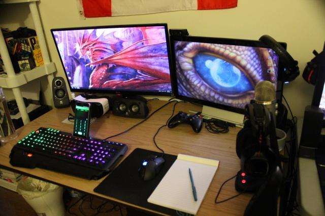 PC_Desk_MultiDisplay68_74.jpg