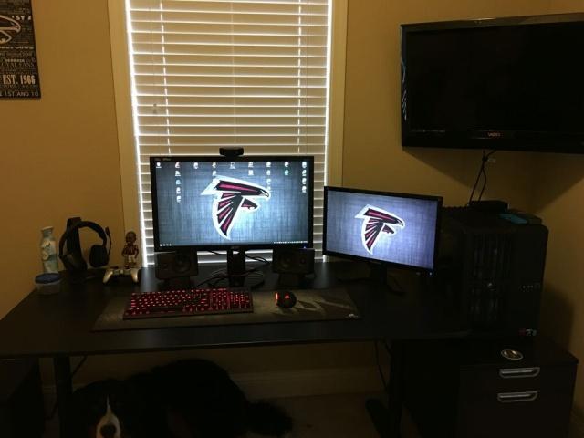 PC_Desk_MultiDisplay68_77.jpg