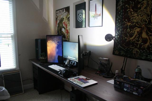 PC_Desk_MultiDisplay68_88.jpg