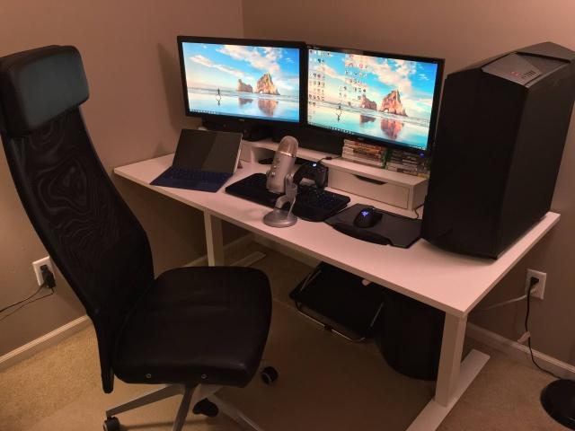 PC_Desk_MultiDisplay68_97.jpg