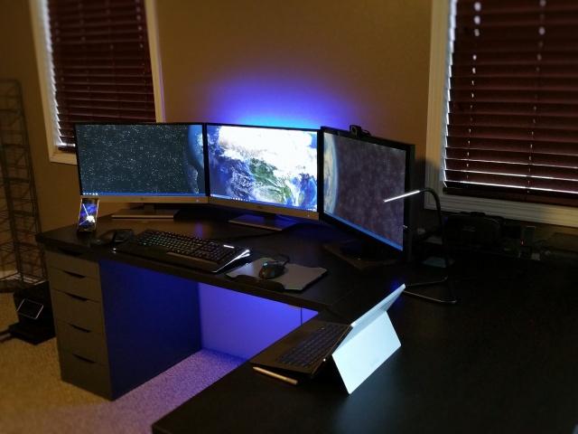PC_Desk_MultiDisplay69_04.jpg