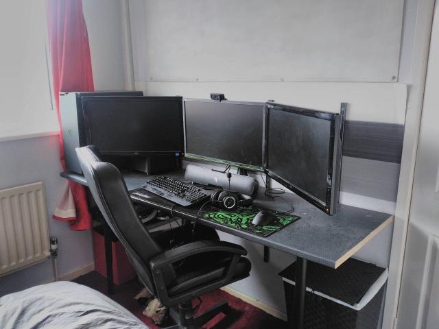 PC_Desk_MultiDisplay69_29.jpg