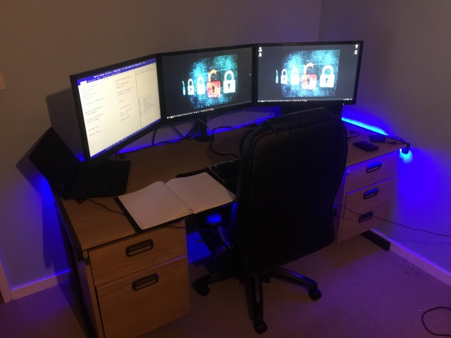 PC_Desk_MultiDisplay69_58.jpg