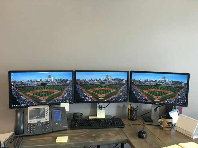 PC_Desk_MultiDisplay69_68.jpg