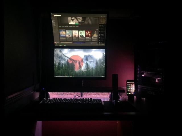 PC_Desk_MultiDisplay70_03.jpg
