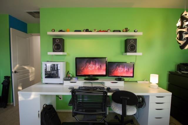 PC_Desk_MultiDisplay70_08.jpg