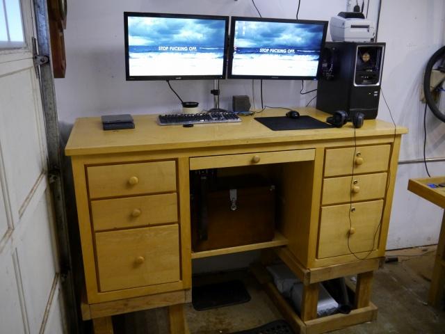 PC_Desk_MultiDisplay70_09.jpg