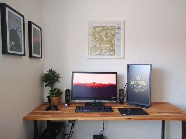 PC_Desk_MultiDisplay70_19.jpg