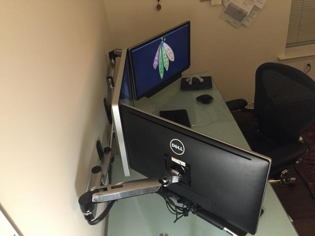 PC_Desk_MultiDisplay70_35.jpg