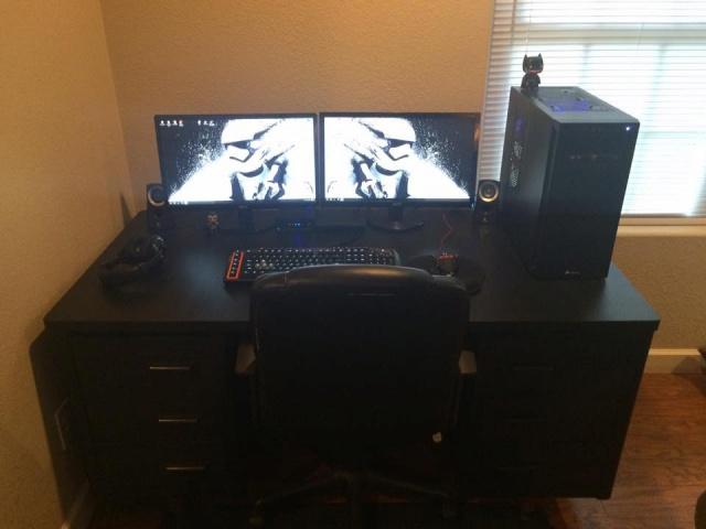 PC_Desk_MultiDisplay70_42.jpg