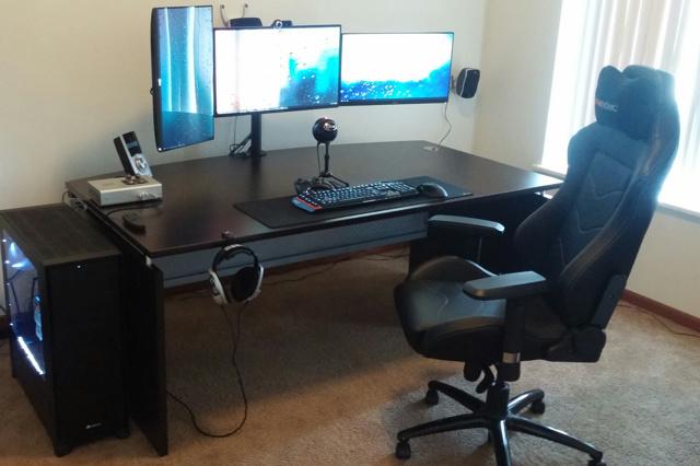 PC_Desk_MultiDisplay70_51.jpg