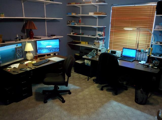 PC_Desk_MultiDisplay70_58.jpg