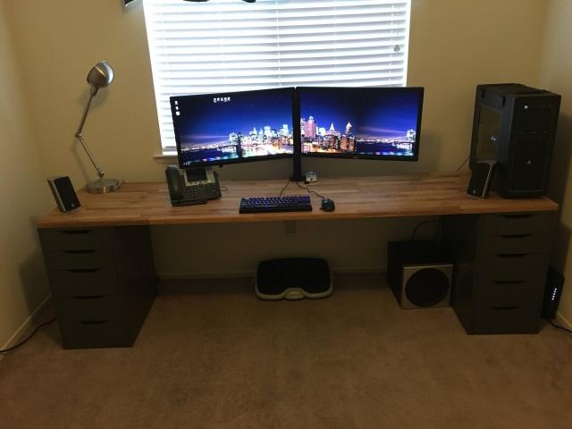 PC_Desk_MultiDisplay70_61.jpg