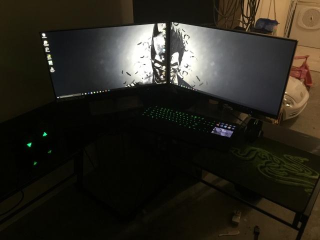 PC_Desk_MultiDisplay70_90.jpg