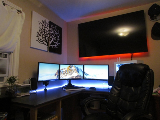 PC_Desk_MultiDisplay71_01.jpg