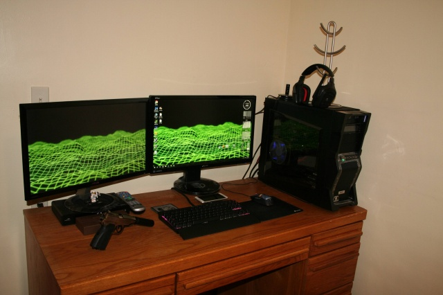 PC_Desk_MultiDisplay71_04.jpg