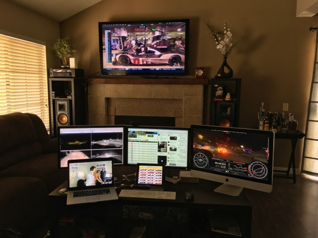 PC_Desk_MultiDisplay71_77.jpg