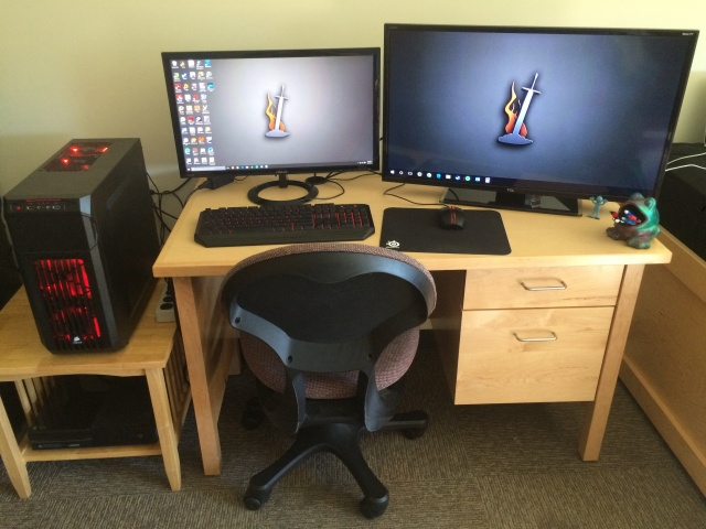 PC_Desk_MultiDisplay72_65.jpg