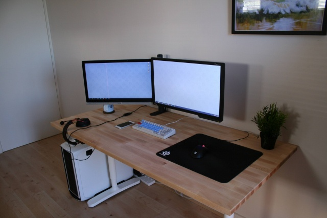 PC_Desk_MultiDisplay73_43.jpg