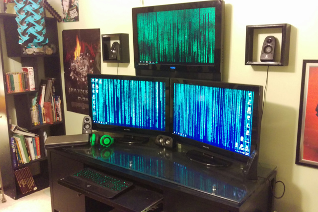 PC_Desk_MultiDisplay74_51.jpg