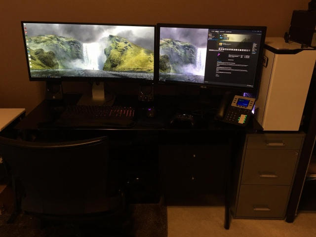 PC_Desk_UltlaWideMonitor10_13.jpg