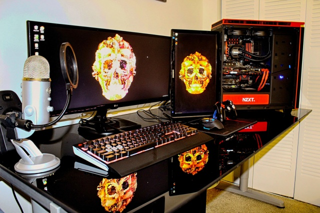 PC_Desk_UltlaWideMonitor10_44.jpg