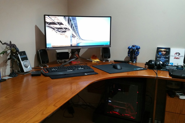 PC_Desk_UltlaWideMonitor10_47.jpg