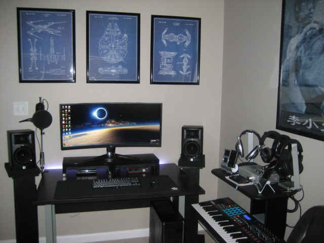 PC_Desk_UltlaWideMonitor10_49.jpg