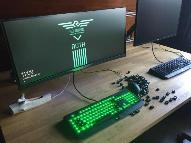 PC_Desk_UltlaWideMonitor11_28.jpg