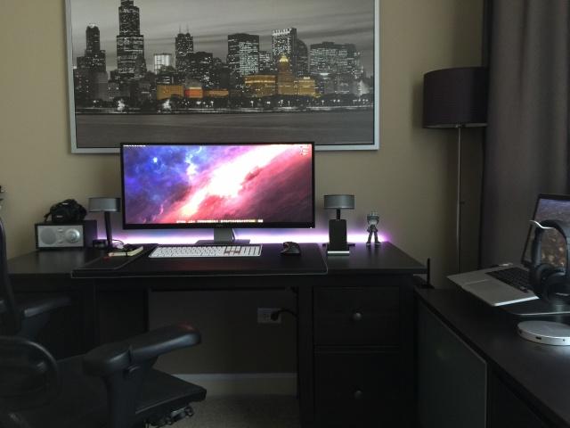PC_Desk_UltlaWideMonitor11_59.jpg