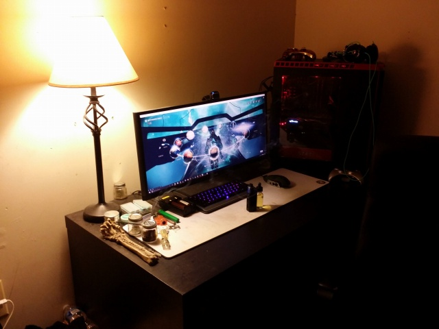 PC_Desk_UltlaWideMonitor11_84.jpg