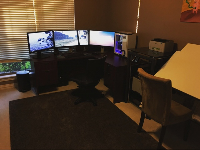 PC_Desk_UltlaWideMonitor11_95.jpg