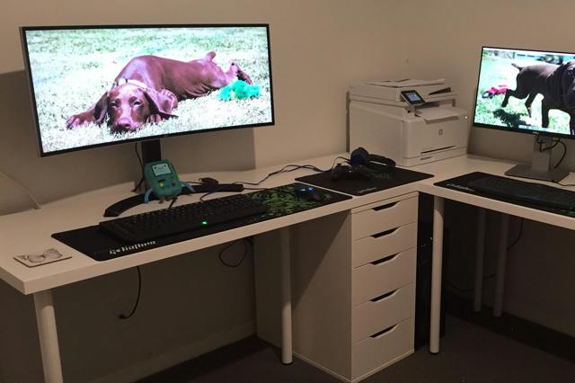 PC_Desk_UltlaWideMonitor12_38.jpg